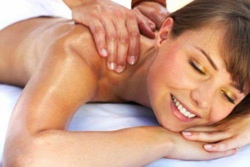 Massaggio linfodrenante, bagni anticellulite, cellulite, massaggio cellulite,