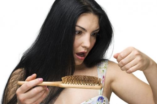 rimedi contro la caduta dei capelli, cuoi capelluto, perdita di capelli, consigli per la caduta dei capelli, come curare la caduta dei capelli,