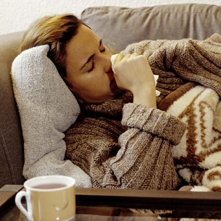 mal di gola,gola infiammata,curare il mal di gola,rimedi gola secca,raffreddore,febbre